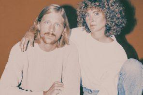 """El grupo Tennis, el """"savoir faire"""" de la música indie-pop de los 80 en la actualidad"""