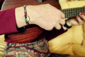 La peseta: pulseras de cuero y tela muy nostálgicas