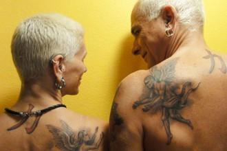 ancianos tatuados