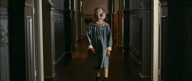 Tomás de la película El orfanato es un disfraz fácil de hacer