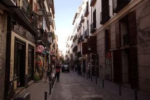 ¿Qué es la gentrificación? Barrios en España como Chueca, Malasaña, El Raval o Lavapiés la están viviendo.