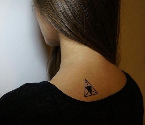 tatuaje-triangulo-hipster-2-