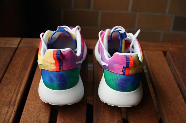zapatillas-nike-running-roshe-ru-tie-dye-3